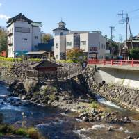 A survey conducted by Development Bank of Japan shows many Asian tourists who have traveled Japan hope to visit rural areas and hot springs next time. | ISTOCK