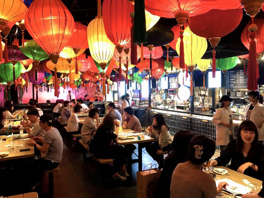 Sanagi Shinjuku is so buzzy you forget you are dining under an overpass. | ROBBIE SWINNERTON