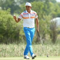 Fowler leads U.S. Open after firing first-round 65