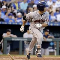 Aoki moves within two hits of career milestone