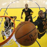 Dethroned Cavs look for answers