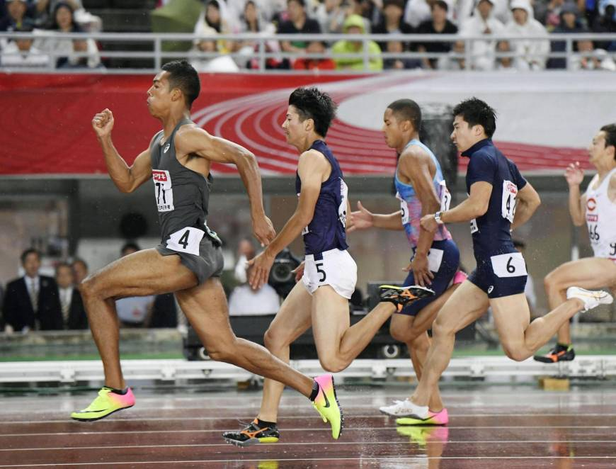 Sprinter Sani Brown outlcasses field in 100-meter final for first national title