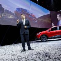 Ghosn boosts Renault's China ties with Brilliance van buy-in