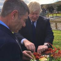 British minister jokes about traditional New Zealand Maori greeting