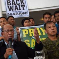 Duterte says he can wait a year for Marawi standoff to end, wants to minimize civilian deaths