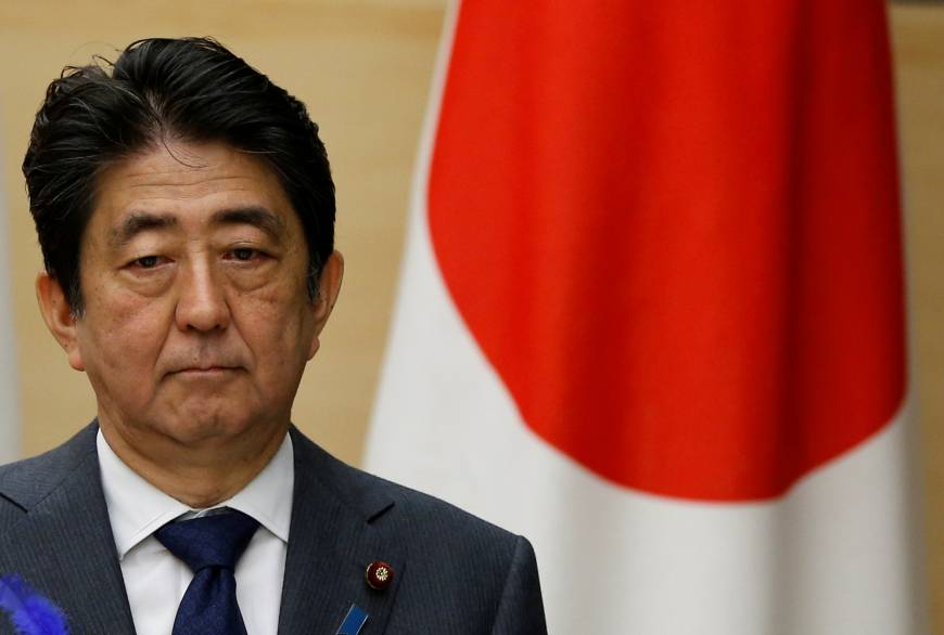 Abe's support rate slides to under 30%, poll says
