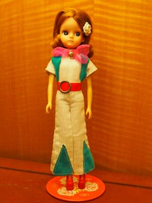 Second generation (1972-81): Licca-chan dolls in the 1970s were interested in lifestyle pursuits.