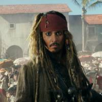 Johnny Depp finds nothing but smooth sailing with Japanese fans of 'Pirates of the Caribbean'