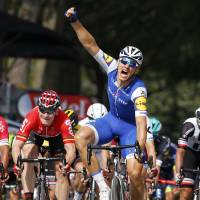 Kittel cruises to win in sixth stage