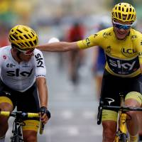 Froome claims fourth Tour title