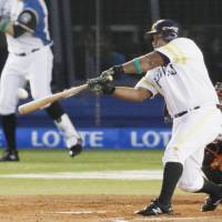 Despaigne, Akiyama, Suzuki supply big hits as PL tops CL in All-Star Series finale