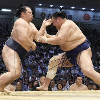 Yokozuna Kakuryu pulls out of Nagoya Basho amid talk of retirement