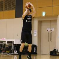 Shooting guard Makoto Hiejima, seen in a file photo from a recent training camp in Tokyo, was named to Japan's 12-man roster for the upcoming FIBA Asia Cup. | KAZ NAGATSUKA