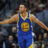 Curry, Warriors finalize new deal