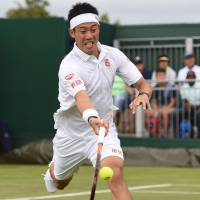 Nishikori routs Cecchinato, aims to win title