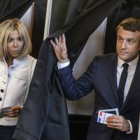 Macron set to ditch plan to give his wife first lady status