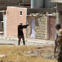 U.S.-backed Iraqi forces 'closing the noose' around Islamic State fighters in Tal Afar