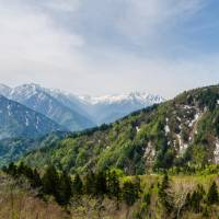 Hiroshima man, 74, rescued in Northern Alps week after suffering fall, losing contact
