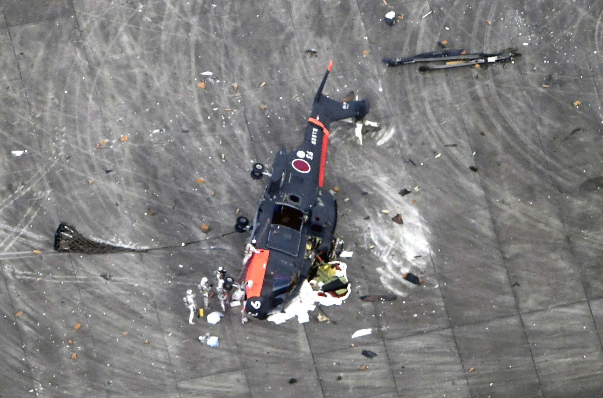 A Maritime Self-Defense Force CH-101 helicopter crashed Thursday at the MSDF Iwakuni Base in Yamaguchi Prefecture, after it flipped over during a drill.   KYODO