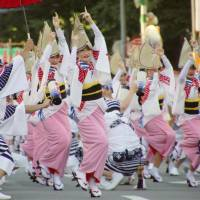 Crowds expected as Tokushima's Awa Odori festival adds foreign amenities