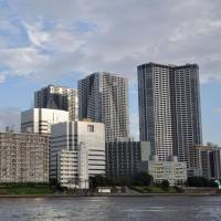 Police are trying to close security gaps related to the high-rise buildings lining Tokyo's waterfront ahead of the 2020 Games. | KYODO