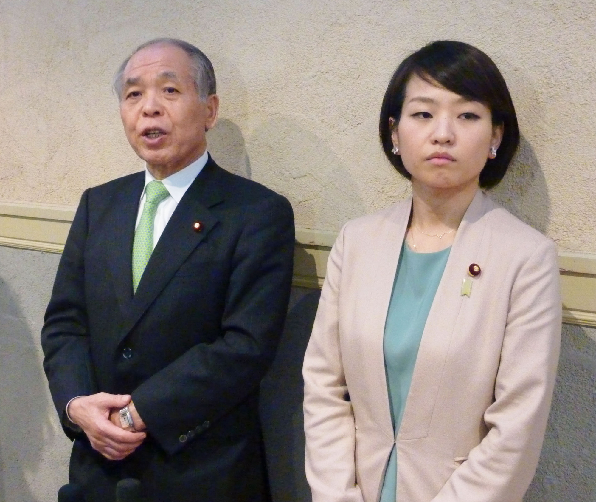 Trolled: After announcing her pregnancy on July 12, the blog of Lower House Hokkaido lawmaker Takako Suzuki — pictured here with her father, Muneo — received comments to the effect that she couldn't be a lawmaker and a mother at the same time.   KYODO
