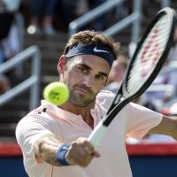 Federer reaches Rogers Cup final