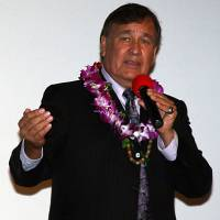 Billy Mills speaks during an American Indian Heritage Month observance in November 2010 in Honolulu. | PUBLIC DOMAIN