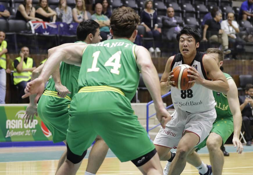 Japan loses to Australia in FIBA Asia Cup opener