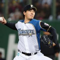 Fighters starter Kohei Arihara pitches against the Hawks on Wednesday in Asahikawa, Hokkaido. The Fighters won 3-1. | KYODO