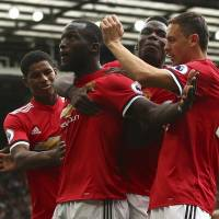 Lukaku leads Man United's rout of West Ham