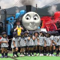 [VIDEO] Thomas the Tank Engine in Japan, summer 2017
