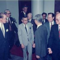 Daim Zainuddin, then-minister of finance of Malaysia, third from left, arrives at the 13th MAJECA-JAMECA Joint Annual Conference that was held on June 21, 1990, in Kuala Lumpur. | MALAYSIA-JAPAN ECONOMIC ASSOCIATION