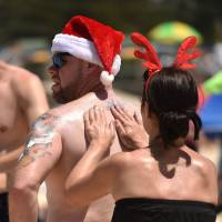 Australian researchers say combination of treatments can stop melanoma from spreading