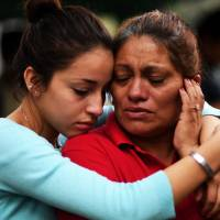 Kin of missing in Mexico quake grow angry as search for survivors winds down