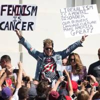 Foes kept at bay as rightist provocateur Yiannopoulos holds short, small rally on Berkeley campus