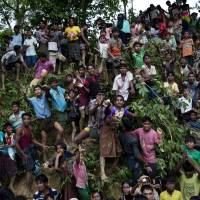 Buddhist protesters try to block aid shipment to Myanmar's Muslim Rohingya