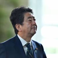 Abe to lay out general snap election plan on Monday