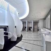 A men's lavatory at Narita airport offers a spacious and luxurious atmosphere. | NARITA INTERNATIONAL AIRPORT CORP.