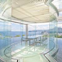 ATAMI Kaihourou was designed by world-famous architect Kengo Kuma. Guests can relax and unwind at the small luxury resorts of the Kato Pleasure Group in Atami, Shizuoka Prefecture.