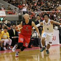 Chiba Jets Funabashi point guard Tomokazu Abe and his teammates are preparing for The Super 8 tournament next week in Macau. | B. LEAGUE
