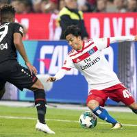Ito makes long-awaited debut for Hamburg