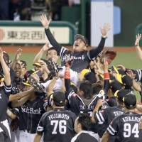 Hawks capture Pacific League pennant