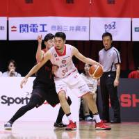 The Jets' Ryumo Ono (34), seen in action last season, is a key contributor for the title-chasing East Division club. | B. LEAGUE