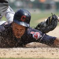 Ramirez guides Tribe to 11th straight victory