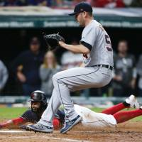 Indians beat Tigers to stretch win streak to 20