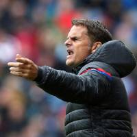 De Boer's position fragile after another loss for Palace