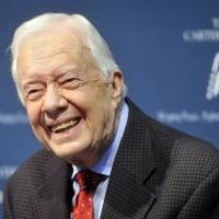 Jimmy Carter has offered to travel to North Korea to help defuse tensions