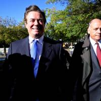 Indictment: Manafort spent millions on homes, rugs, clothes, 'used his hidden overseas wealth'