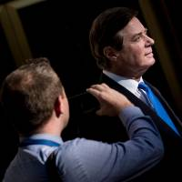 Trump's former campaign manager Manafort faces a stark choice: Cooperate or risk years in prison